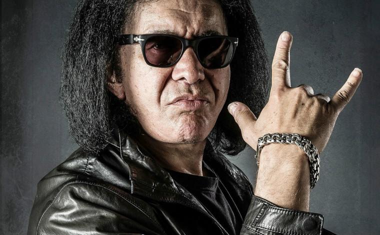 Лидер рок-группы Kiss решил получить патент на рокерский жест