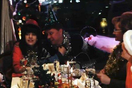 Алиса Мон & Константин Бубнов - Веселый новый год