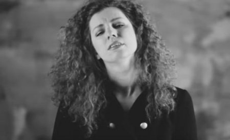 Юлия Коган - Падает тихо с неба вода