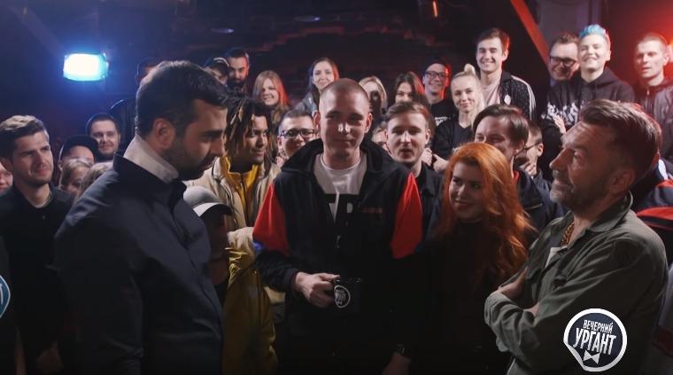 Иван Ургант и Сергей Шнуров устроили битву в рэп-баттле Versus